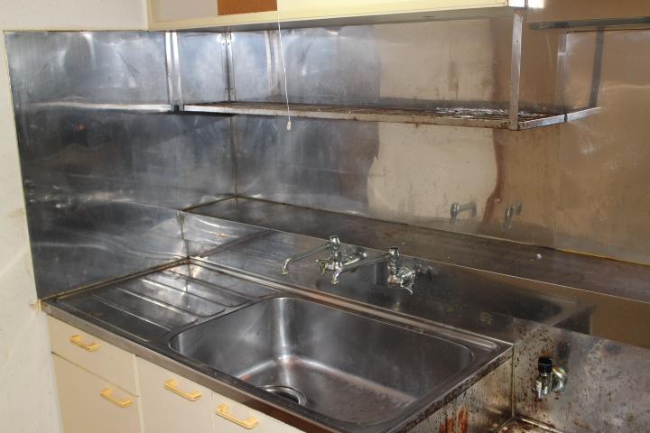遺品整理水回りの簡易清掃の作業前